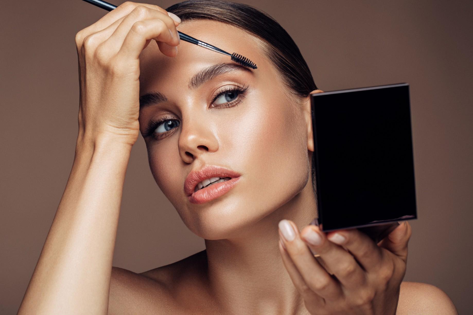 Comment se maquiller avec make up métallique ?
